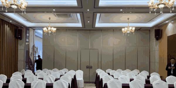 酒店装修找宴会厅活动隔断墙厂家