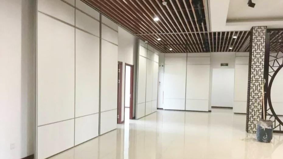 65型免漆板活动隔断