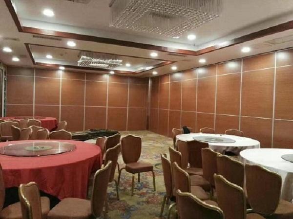 活动折叠隔断在宴会厅中的运用