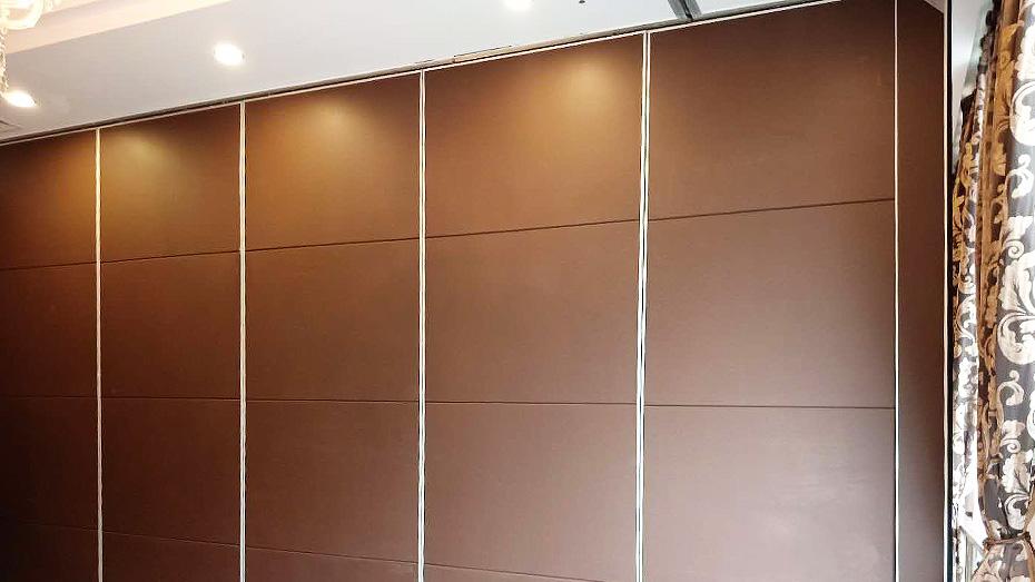 65型彩绘板酒店活动隔断墙