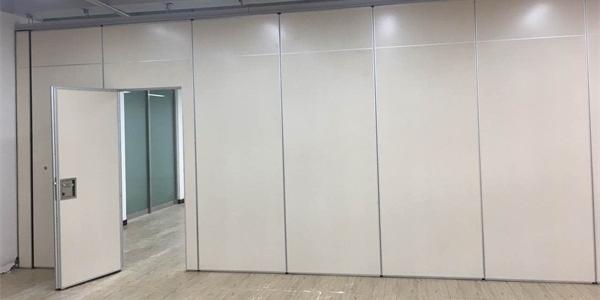 如何挑选办公活动隔断墙